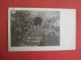 RPPC  Working On Train Tunnel-- Corner Wear & Creases  Ref. 3085 - Militaria