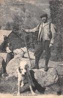 Les Pyrénées (65) - Un Guide Et Son Chien - Scènes Et Types - Francia