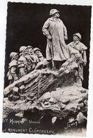 SAINTE HERMINE--1953-- Le Monument  Clémenceau ( Sculpteur  Sicart)--cachet MOUCHAMPS-85 - Timbres ......à Saisir - Sainte Hermine