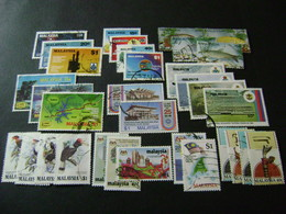 Malaysia 1983-1985 Complete Stamp Issues (SG 253-270, 280-330) 2 Images - Used - Malaysia (1964-...)