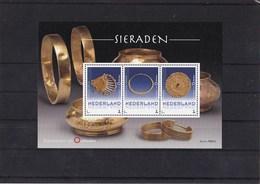 Nederland - Museum Voor Oudheden - Sieraden - 1 Postzegelvel (MNH) + 3 Postkaarten (ongebruikt)  - Uitgifte 2018 - Netherlands