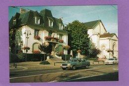 54 SAINT MAX L'Hôtel De Ville Et L'Eglise Saint Livier Automobile : Renault 9  Peugeot - France