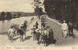 VICHY  Promenade Sur Les Bords De L'Allier  Anes Montés Cycliste  RV T - Vichy