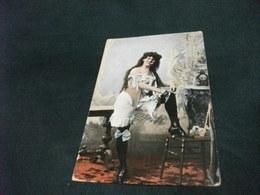 PIN UP DONNA CHE FUMA IN BIANCHERIA INTIMA DI UNA VOLTA 1910 PICCOLO FORMATO - Pin-Ups
