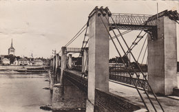 Cpa 2 Scans  Photographie JARGEAU  Pont - Jargeau
