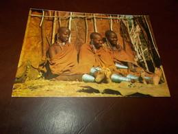 B703  Tanzania Ragazze Mosai Viaggiata Piega Angolo - Tanzania