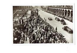 Cpm - Guerre 1939-1945 - Libération De Paris - L'Armée LECLERC Rue De Rivoli - Soldat - Voiture Bicyclette - Guerre 1939-45