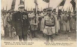 Les Aviateurs Heurteaux Et Fonck Devant Le Drapeau Du 2e Groupe D'aviation. - Guerre 1914-18