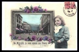 CPA ANCIENNE FRANCE- CARTE SOUVENIR DE MILLAU (12)- JE VOUS ENVOIE CES FLEURS- CADRE AVEC RUE ANIMÉE- ENFANT - Gruss Aus.../ Grüsse Aus...