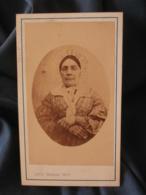 Photo CDV Louis Graglia - Second Empire,femme Avec Coiffe, Portrait En Médaillon Vers 1870 L401 - Photos