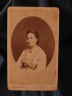 Photo CDV Alphonse Bernoud à Lyon - Second Empire Joli Portrait Femme En Médaillon Vers 1865 L401 - Photographs