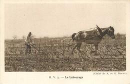CPA Le Labourage Dans Les Vignes - Lib La Rennaissance Beaune - Cheval Paysans Agriculture Viticulteur Labours - Bourgogne