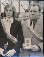 HARELBEKE   FOTO 1973  13 X 10  CM COLLAGE  -  BILJARTKAMPIOENEN - Harelbeke