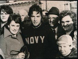 ZARREN    FOTO 1973  9 X 7  CM   -  WIELRENNEN ROGER VERSCHAEVE LIEFHEBBERS - Kortemark