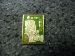 PIN'S ROMORANTIN (41) Léonard De Vinci @ 22 Mm X 16 Mm - Ciudades
