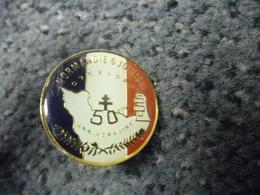 PIN'S 2° GUERRE MONDIALE : FRANCE NORMANDIE 6 Juin 1944 - 1994 (50 Ans Du Débarquement Overlord) @ 25 Mm - Militaria