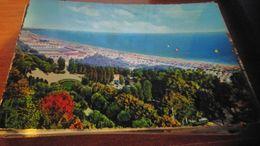 Cartolina: Grado La Spiaggia  Viaggiata (a31) - Non Classificati