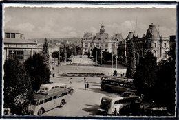 VICHY - BEAU PLAN D'AUTOBUS - AUTOCARS - AUTOCAR - ESPLANADE DE L'HOTEL DE VILLE - Vichy