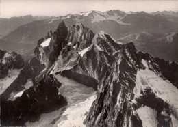 Dep 05 , Cpsm Vue Aérienne Sur Le Massif De La MEIJE (3983m.) , 29652 (D9.047) - Francia