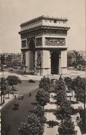 """CPA 75 PARIS L'Arc De Triomphe De L'Etoile """"Paris ...en Flanant"""" 1957 - France"""