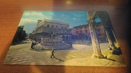 Cartolina:Perugia Piazza Comunale Viaggiata (a31) - Non Classificati