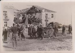 ZUR FRIM  GEFANGENEN  KASERNEN IN REREKOP   FOTO DE PRESSE WW2 WWII WORLD WAR 2 WELTKRIEG Aleman Deutchland - Guerra, Militares