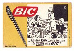 Buvard Extra BIC Résultat Faux Mais écrit Avec La Vraie Pointe BIC - Buvards, Protège-cahiers Illustrés