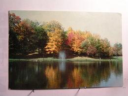 Sherbrooke - L'Etang Du Domaine Howard à L'automne - Sherbrooke