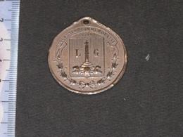 LIEGE - MEDAILLE COMMEMORATIVE 1914 - DESTRUCTION DU PONT DES ARCHES.MUSEE CURTIUS EN ARRIERE PLAN - Altri
