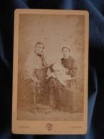 Photo CDV Touzéry à Orléans - Couple Avec Leur Bébé, Circa 1875 L402 - Photos