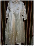 Lot De 4 Robes  De Mariée Vintage Nylon-satin- Soie-pour Theatre-deguisement Ou Recuperation Tissu - 1940-1970