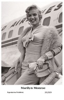 MARILYN MONROE - Film Star Pin Up PHOTO POSTCARD - 201-829 Swiftsure Postcard - Artistes