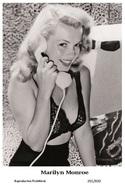 MARILYN MONROE - Film Star Pin Up PHOTO POSTCARD - 201-830 Swiftsure Postcard - Artistes