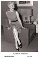 MARILYN MONROE - Film Star Pin Up PHOTO POSTCARD - 201-1050 Swiftsure Postcard - Artistes