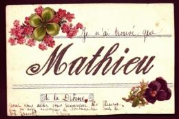 CPA ANCIENNE FRANCE- PRÉNOM MATHIEU-  LETTRES EN PAILLETIS DORÉ- DÉCOR DE FLEURS  ET TREFLE- - Vornamen