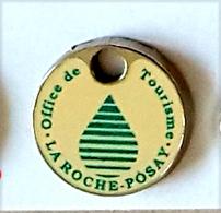 Jeton De Caddie  Argenté  Ville, Office  De  Tourisme  à  LA  ROCHE - POSAY  ( 13 ) - Jetons De Caddies
