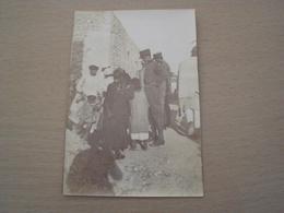 COLONIE ITALIANE AFRICA ORIENTALE DERNA TRIPOLI 1912 VECCHIA FOTO CON MILITARI E CIVILI - Guerre, Militaire