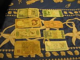 Lot 8 Billets Monde Dans L Etat - Coins & Banknotes