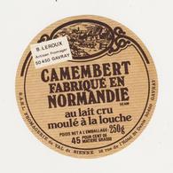 ETIQUETTE DE CAMEMBERT  DU VAL DE SIENNE GAVRAY 50 AM - Cheese