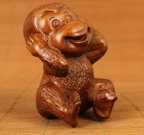 VIEUX BUIS Pas Entendre Monkey Figure Statue Antiquités Asiatiques Japonais Netsuke DECO - Art Asiatique