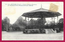 CPA Orthez - Place Gaston Fébus - Le Kiosque Et Le Monument Aux Morts - Orthez