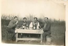 PHOTO ORIGINALE  SOLDATS EN CAMPAGNE FORMAT 8.50 X 6 CM - Guerre, Militaire