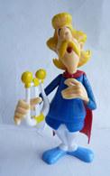 FIGURINE Prime ASTERIX QUICK 2014 - ASSURANCETOURIX AVEC SA HARPE AMOVIBLE - Asterix & Obelix