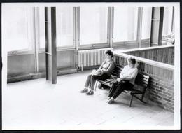 C0038 - Foto - Snapshot Schnappschuß Abstract Wartehalle - Fotografie