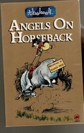 Thelwell  ANGELS ON HORSEBACK  96 Pages. TBE 6 Scans - Livres, BD, Revues