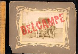 Photographie Originale : Agents De La Poste Facteur Receveur Devant Un Camion DE DION BOUTON Des Postes C.1910 - Cars