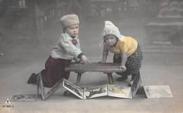 Deux Enfants - Album Avec Photos D'animaux - Enfants