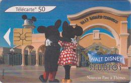 Télécarte France - DISNEY STUDIOS - Disneyland Paris - MICKEY & MINNIE Chip Phonecard - Disney