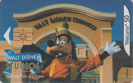 Télécarte France - DISNEY STUDIOS - Disneyland Paris - Chien Dingo Goofy Dog Chip Phonecard - Disney
