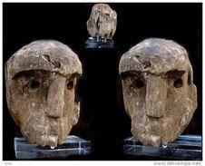 Ancienne Tête De Bornéo Sur Socle / Old Oerneo Wooden Ancestor Head - Art Africain